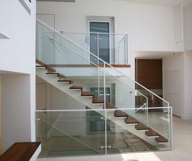 שרון מעקות ומדרגות 5