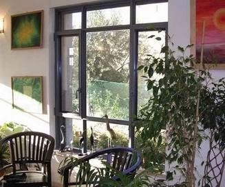 רויאל - חלונות עץ אלומיניום 10