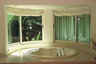 רויאל - חלונות עץ אלומיניום 12
