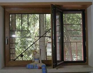 רויאל - חלונות עץ אלומיניום 3