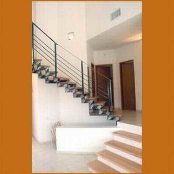 קו נבון - מדרגות עץ ומתכת 6