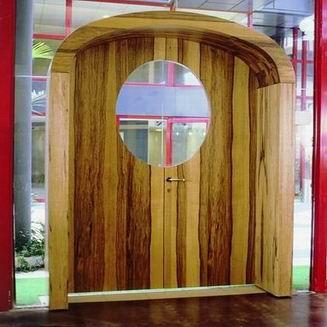 עץ ירוק - דלתות מעוצבות 1
