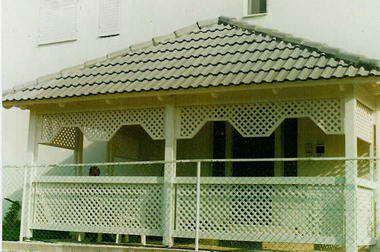 זמיר על הגג-גגות,פרגולות,עבודות עץ 15