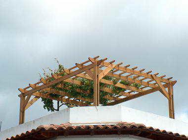 זמיר על הגג-גגות,פרגולות,עבודות עץ 7