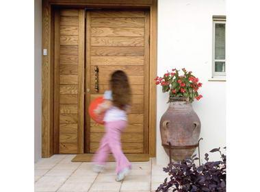 Open Gallery - דלתות 1