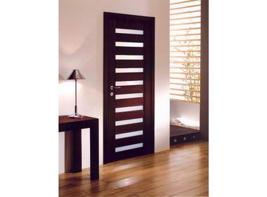 Open Gallery - דלתות 2