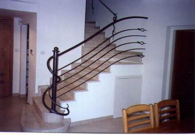 סולם יעקב - מעקות ומדרגות 14