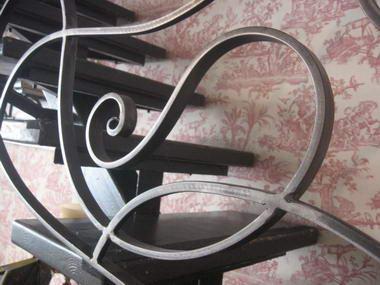 גיורא ליפשיץ- עיצוב בברזל 1
