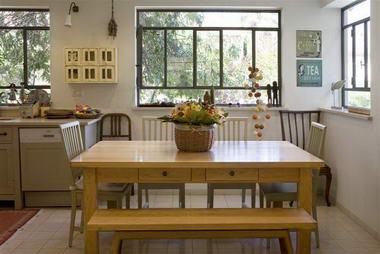 מוטי סעד - רהיטים מעץ מלא 12