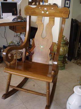 כסאות ועוד 3